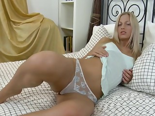 Arden is a sexy blonde who loves fisting her tight holes
