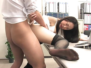Assistant's keep quiet masked fuckbox dribbling abroad with jism after office penetrate